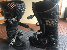 Motor cross. Off-road boots Woodvale Joondalup Area Preview