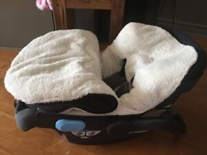 Housse d'hiver pour coquille/ winter seat cover for bucket