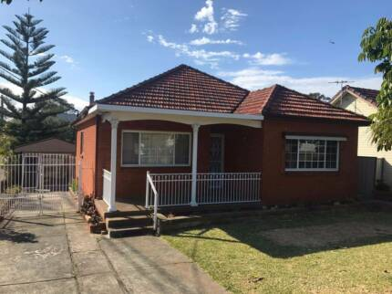 LARGE FAMILY HOME INCLUDING GRANNY FLAT