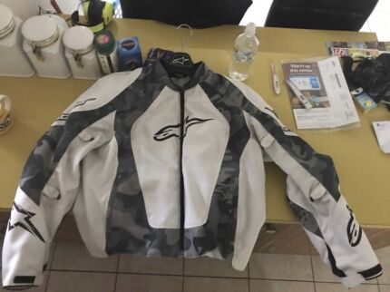 Alpine star bike jacket.