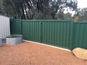 Jpk fencing contractors Wanniassa Tuggeranong Preview