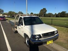 Toyota hilux ute 2.7l 2003 a/c power steering Panania Bankstown Area Preview
