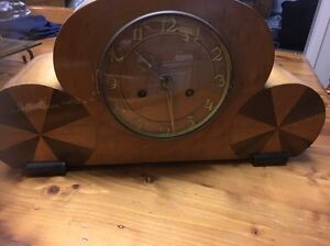 Mantle  Clock Bulleen Manningham Area Preview