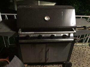Beef eater 4 burner BBQ Beverly Hills Hurstville Area Preview