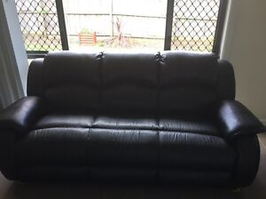 Leather lounge suite 3 seater + 2 recliners NEED GONE ASAP Pemulwuy Parramatta Area Preview