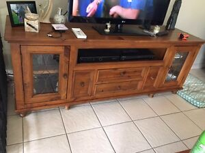 Solid Timber TV Unit Erskine Park Penrith Area Preview