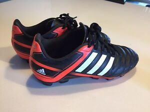 Football boots, kids size 4 (US) Fairview Park Tea Tree Gully Area Preview