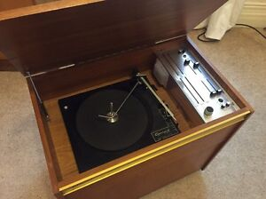 Vintage record player South Yarra Stonnington Area Preview