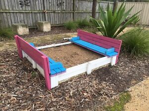 Sandpit and built in cover/bench seat Weston Cessnock Area Preview