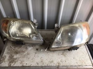 05 Toyota Hilux Headlights 2x Pairs Rochedale South Brisbane South East Preview