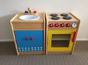 Santoys kids role play wooden toy kitchen sink and oven Camberwell Boroondara Area Preview