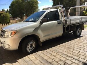 For sale Toyota hilux $GAS$ 4 cylinder Craigieburn Hume Area Preview