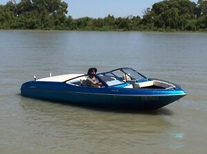 Gilflite Bowrider ski boat 91' custom build mint condition Athelstone Campbelltown Area Preview