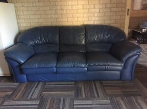 Blue leather lounge Bulahdelah Great Lakes Area Preview