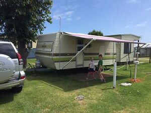 Family triple Bunk Caravan - A1 Ingleburn Campbelltown Area Preview
