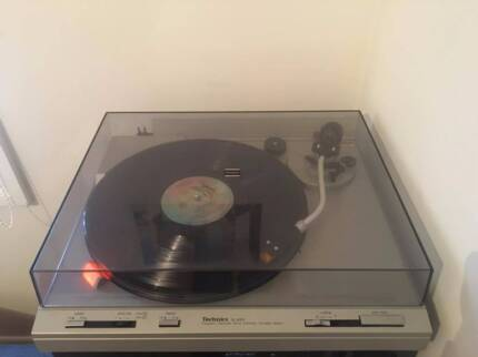 Technics SL-B303 Belt drive turntable record player