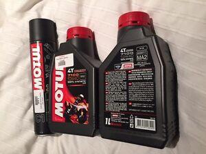 2x1L Motul 4-stroke motor oil + 400ml aerosol Chain Clean Marrickville Marrickville Area Preview
