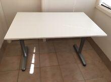 White desk Como Sutherland Area Preview