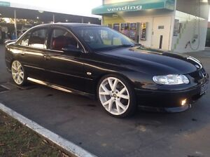 """02 Holden Commodore S-Pac V6 Sedan • Gen 20"""" gts rims • Red ss leather Pakenham Cardinia Area Preview"""