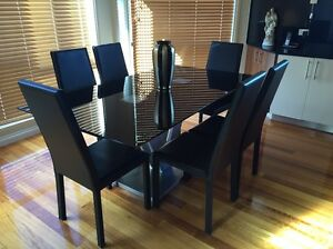 Dinning table Meadow Heights Hume Area Preview