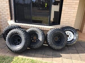 "X5 33"" (33x12.5R15lt) Bridgestone Dueler rims and 4WD muddy tyres Lonsdale Morphett Vale Area Preview"