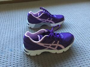 As new Asics  Gel 190 TR size 6.5 lavender colour Mudgeeraba Gold Coast South Preview