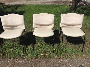 3 Chairs Hallsville Tamworth City Preview
