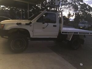2.8 Diesel Hilux custom tray. Nabiac Great Lakes Area Preview