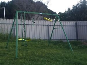 Swing. Free Henley Beach Charles Sturt Area Preview
