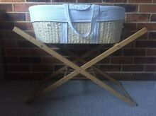 Moses basket Broadmeadow Newcastle Area Preview