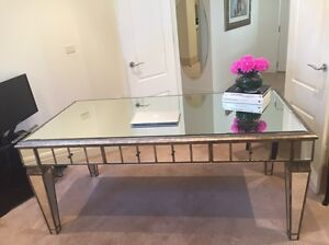 Office desk/ dining table or beauty table Breakfast Point Canada Bay Area Preview
