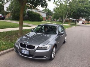 BMW 2011 323i EXTRA RIMS AND SNOW TIRES
