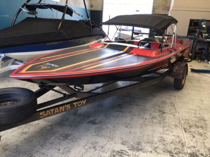 Wanted: Thurgar Bronco 1984, fiberglass ski boat