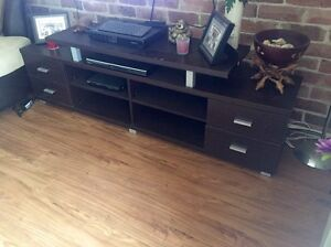 TV entertainment unit Elderslie Camden Area Preview