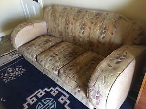 Antique 5 seater lounge Shellharbour Shellharbour Area Preview