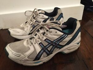 Women's Asics gel netball shoes - size 9 New Farm Brisbane North East Preview