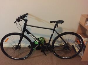Giant Cross City 0 Disc 2016 - Retails for $1200 selling for $900 ONO Kingsley Joondalup Area Preview