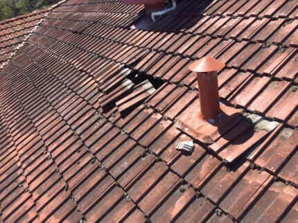 Roof plumber leaky roof patio gutters down pipes colorbond for Leaking roof gutter
