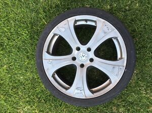 "19"" 5 stud commodore rim Henley Beach Charles Sturt Area Preview"