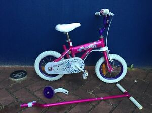 Kids bike - Schwinn 12 inch with parent steer pole and trainer wheels Embleton Bayswater Area Preview