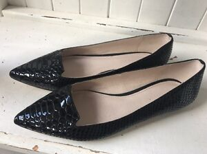 WITCHERY BLACK LEATHER FLATS/ SHOES*  37 / 6 Benowa Gold Coast City Preview