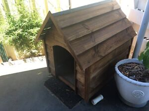 Solid wooden kennel. Trigg Stirling Area Preview