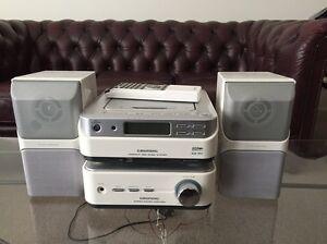 Grundig Mini personal MP3 player/amfm radio Greenvale Hume Area Preview