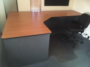 Office desk with chair Duncraig Joondalup Area Preview