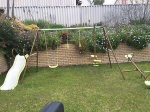 Swing set Leeming Melville Area Preview