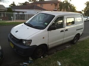 Toyota townace 2000 model quick sale mechanically perfect van Merrylands Parramatta Area Preview