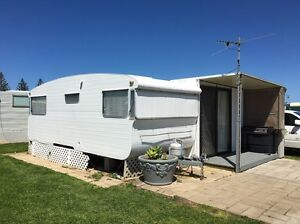 On Site Caravan with Annexe ~ Stansbury Flagstaff Hill Morphett Vale Area Preview