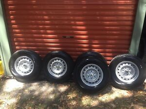 Bridgestone Dueller Set of 5 with Rims as New Tallebudgera Gold Coast South Preview