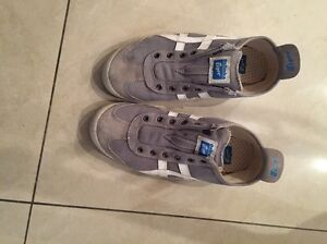 Tiger sport shoes grey & white size 7 Guildford West Parramatta Area Preview