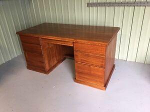 Hard wood timber desk Gnarwarre Surf Coast Preview